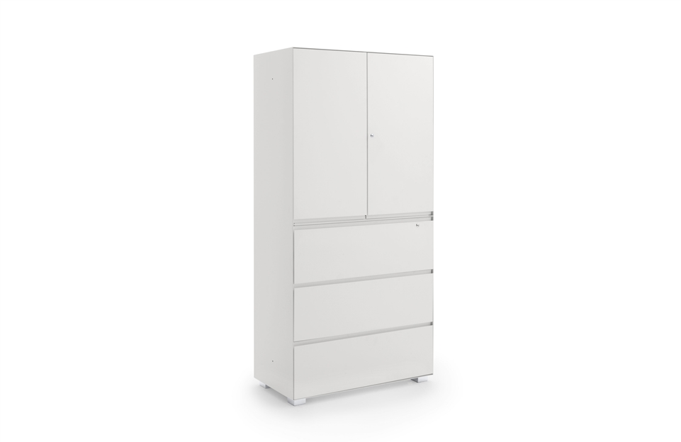 Cabinet with hinged doors